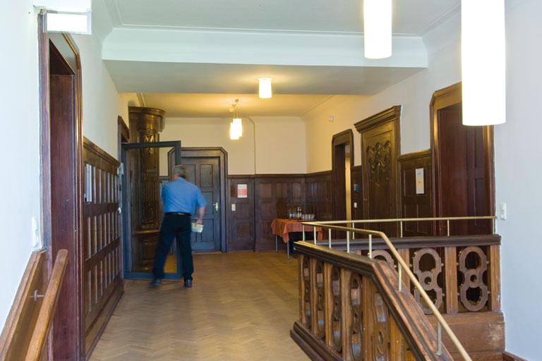 obere etage, flursituation - bildungshaus achatswies, foto: bernhard lang