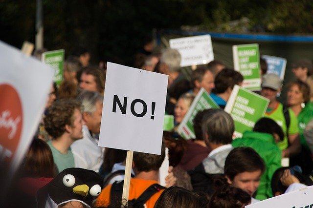 Menschengruppe Protest
